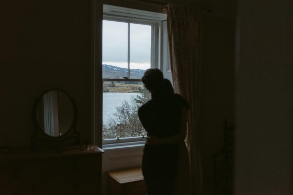 ELOPEMENT-PHOTOGRAPHER-SCOTLAND-LOCH-AN-EILEIN-193