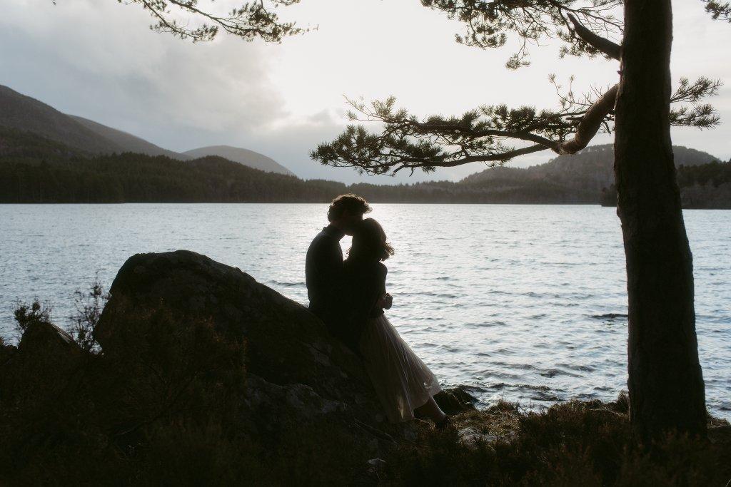 ELOPEMENT PHOTOGRAPHER SCOTLAND LOCH AN EILEIN 367